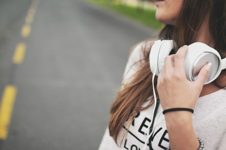 girl-music-headphones-hipster-869213