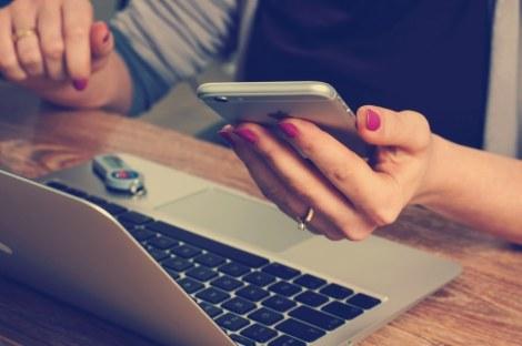 computer macbook iphone girl tech