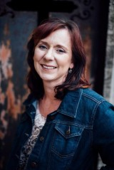 tia silverthorne bach author bio