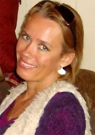 Sunniva Dee author bio