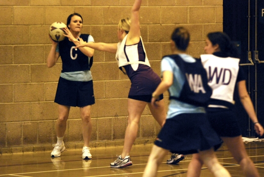 Netball_in_Pudsey wikipedia stock photo
