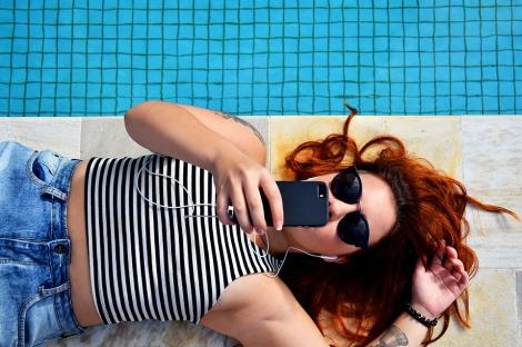 girl lounging summer smart phone stock photo pixabay