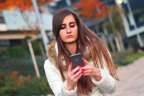 girl smartphone pixabay stock photo