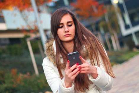 girl smartphone pixabay stock photo