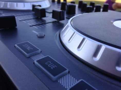 turntable dj stock photo pexels