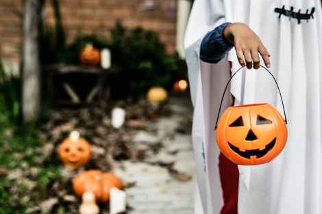 halloween costume trick or treating ghost costume stock photo pexels-photo-1374546