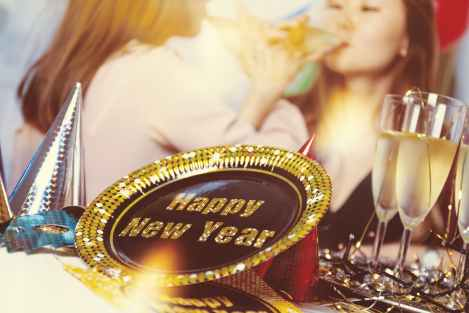 happy new year party on a budget house party stock photo 2019 pexels-photo-714703